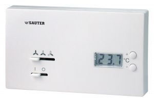 Fan-coil room-temperature controller, with digital display